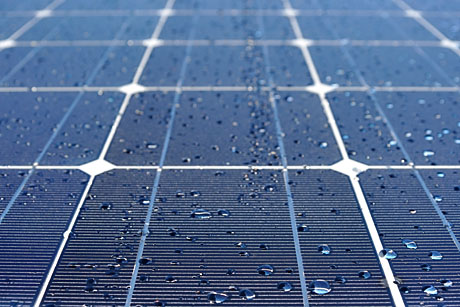 Self-Cleaning-Solar-Panels-Maximize-Energy-Efficiency_hero